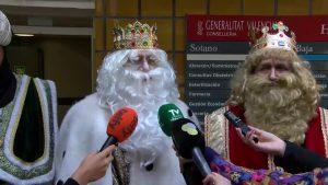 Los Reyes Magos visitan el Hospital Vega Baja