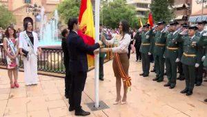 La Guardia Civil rinde honores a su patrona la Virgen del Pilar arropada por cientos de personas