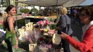 Aumenta la compra de flores en estos días ante la festividad del Día de Todos los Santos