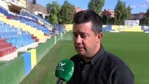 El exentrenador del Orihuela, Miguel Ángel Villafaina, se despide de la afición