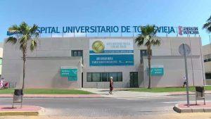 El hospital de Torrevieja celebra su decimotercer aniversario con reivindicaciones