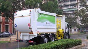 Orihuela renueva el Parque Móvil con nuevos camiones de Residuos Sólidos Urbanos