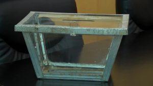 Descubierta un urna original de los años treinta en Bigastro