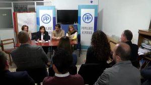 Bonig reúne a populares en Almoradí por el plurilingüismo