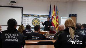 Los agentes de Policía Local de Orihuela reciben una charla sobre el «coronavirus»