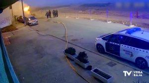 Un hombre quema su coche para cobrar indemnización pero el fuego se propaga a un edificio