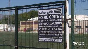 Albatera combate el bullying en el terreno de juego con carteles que exigen respeto