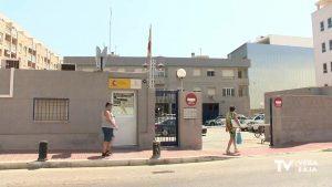 La Guardia Civil salva la vida de una mujer en Torrevieja, tras acceder a su casa por el balcón