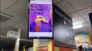 Un supermercado de La Mata utiliza cámara termográfica para medir la temperatura de sus clientes