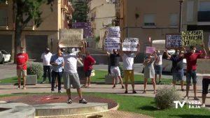 Mercaderes del textil exigen al Ayuntamiento de Orihuela el regreso de sus puestos