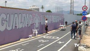 Almoradí muestra su apoyo a la igualdad de género a través de un amplio grafiti