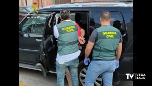 Detenido en Almería por estafar, presuntamente, a varios empresarios de la Vega Baja