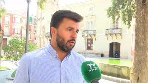 José Aix asegura que se encargará un informe para decidir la gestión de la recogida de residuos