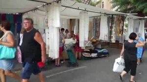 El mercado de los martes en Orihuela estrena ubicación