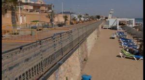 El Gobierno inicia las obras de emergencia para recuperar la senda peatonal de la playa de la Mata