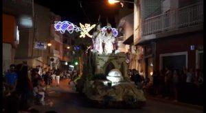 Las fiestas de Rojales terminan con uno de los desfiles de Moros y Cristianos más espectaculares