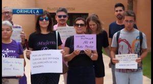 Apoyo a Juana Rivas en los Juzgados de Orihuela