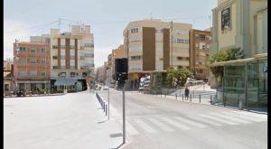 El gobierno de Guardamar elimina los grupos escultóricos en las obras de mejora de la avenida