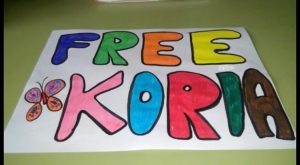 Los padres de acogida de Koria piden que sea liberada y repatriada inmediatamente
