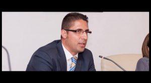 Carlos Ramírez presenta su baja del PP