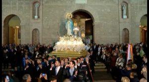 La Purísima sale a las calles de Torrevieja en una procesión que congregó a cientos de personas