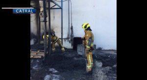 Arde parte de una nave industrial en Catral