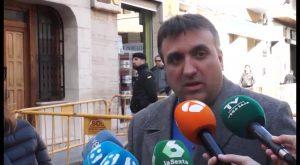 El TSJCV ordena al Ayuntamiento que cese los trabajos de retirada de la Cruz