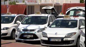 Taxistas de Orihuela y Torrevieja podrían trabajar de manera conjunta durante los meses de verano