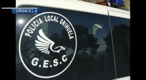 Agentes del GESC la Policía Local de Orihuela detienen a dos hombres por atraco a mano armada