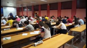 Más de 1.200 estudiantes de la Vega Baja han comenzado hoy la selectividad