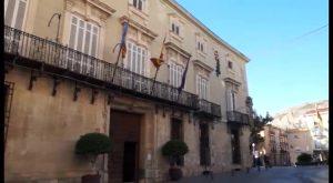 Orihuela aprueba la reparación y mantenimiento de las instalaciones municipales en la costa