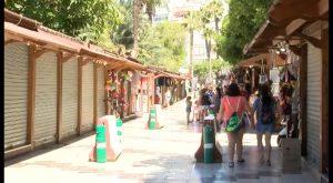 Aumenta el número de «manteros» en Torrevieja aprovechando la llegada de veraneantes