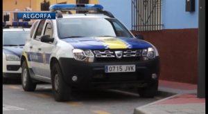 Condecoran a dos policías locales de Algorfa por intervenir en un posible caso de violencia machista