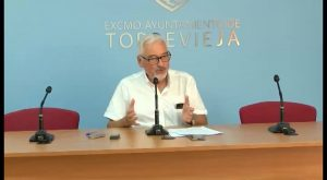 El alcalde insinúa que Intervención quiere paralizar el pago de las nóminas del mes de agosto