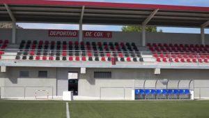 El Campo de Fútbol de Cox estrena gradas y vestuarios que responden a una gran demanda