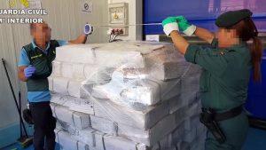 La Guardia Civil investiga la comercialización de 4 toneladas de pulpo caducado en Catral