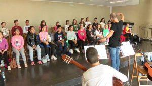 Los coros parroquiales de Torrevieja y Los Montesinos juntan sus voces