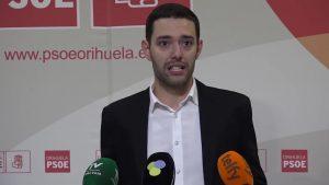Víctor Ruiz deja su acta de concejal por razones personales y profesionales