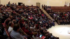 Los regantes exigen al Ministerio que rectifique su decisión en un acto del PSPV celebrado en Torrevieja