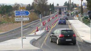 Dolores mejora la seguridad vial en el entorno del Instituto