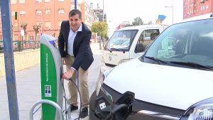 Orihuela presenta sus puntos de recarga para coches eléctricos