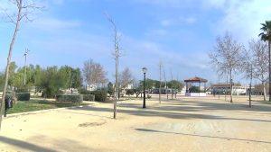 Área de juegos infantiles, pista de skate y zona para mascotas: así luce el Parque Béjar de Almoradí