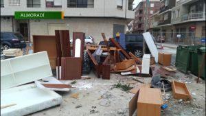 El Ayuntamiento de Almoradí alerta sobre el incumplimiento de la normas de residuos urbanos
