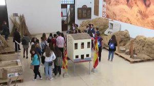Estudiantes griegos descubren la cultura del cáñamo callosino