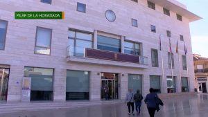 El PSOE incluye a Pilar de la Horadada en el club de los municipios más saneados