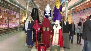 La plaza de abastos de Callosa se llena de Semana Santa
