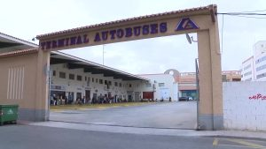 La Generalitat aprueba el nuevo proyecto de transporte en autobús que mejora el servicio de la Vega Baja