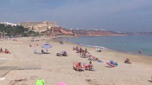 Las playas de Orihuela Costa estrenan casetas de socorrismo