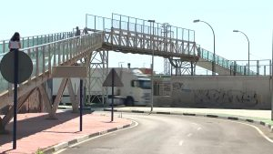 Nueva pasarela peatonal sobre el AVE en Orihuela
