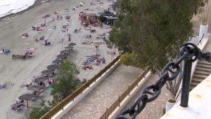 Un agente de Orihuela salva a un joven de morir ahogado